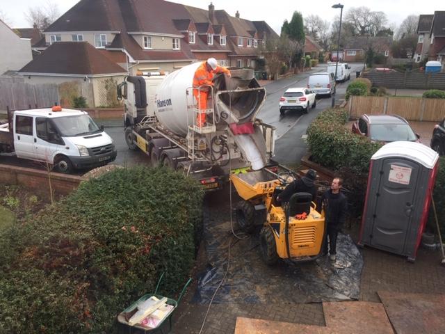 The concrete mixer arrives on site